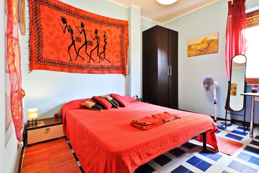 Asteroidea b b alghero red room chambres d 39 h tes louer for Chambre d hote sardaigne