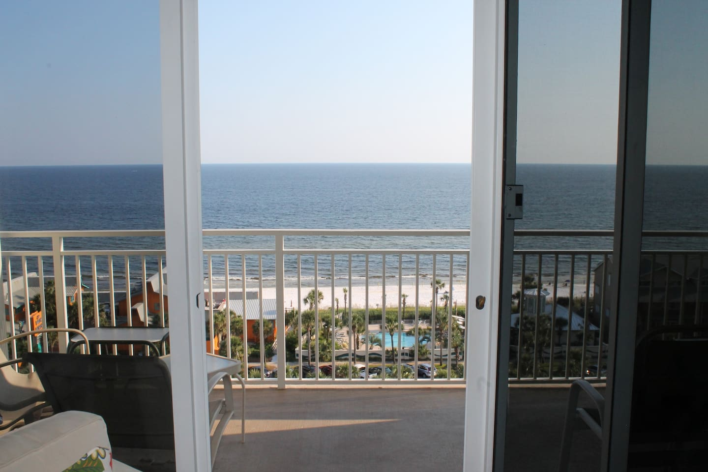 Imagine yourself here........Awesome 10th Floor  Ocean View+ Balcony Lounging!