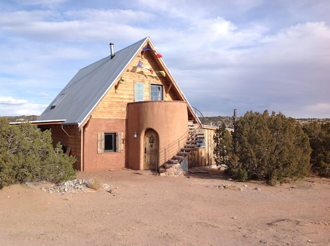 Magical passive solar adobe casita - Abiquiu
