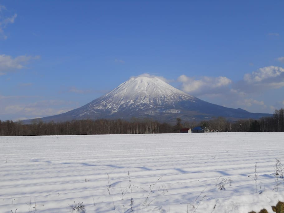 Mt Yotei, if your super keen you can hike this one if you have a spare 6 hours.
