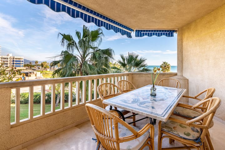 Beautiful Apartment Costa Lago on the Beach with Pool, Wi-Fi & Sea View; Parking Available
