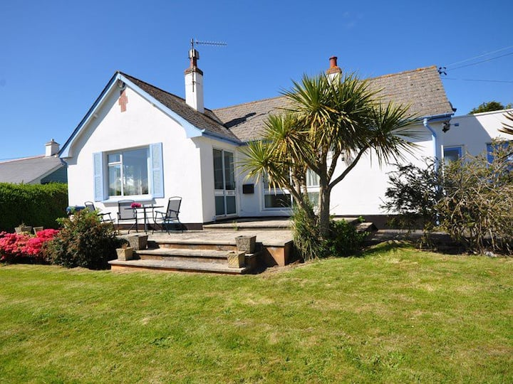 Braemar - Spacious And Comfortable Croyde Cottage