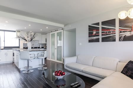 Private Room in 2bed2bath Apartment - Pis