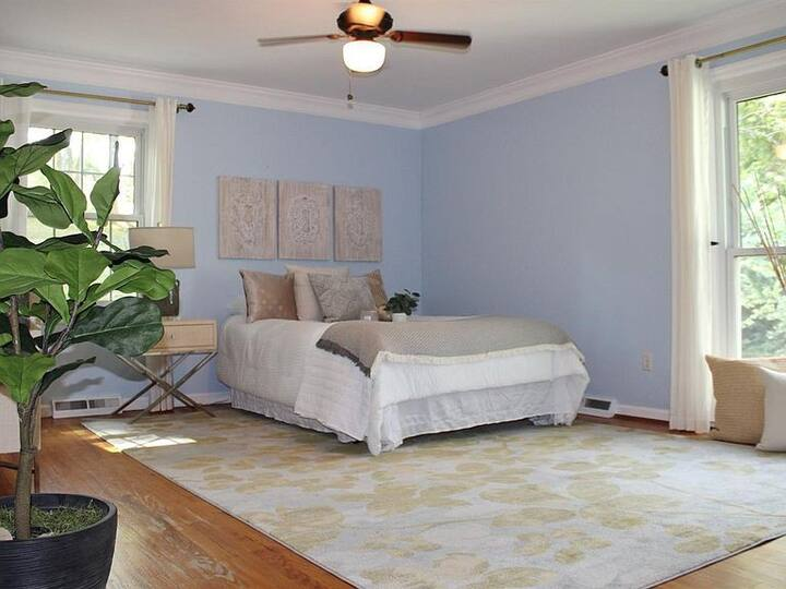 Cozy, private 1 bedroom