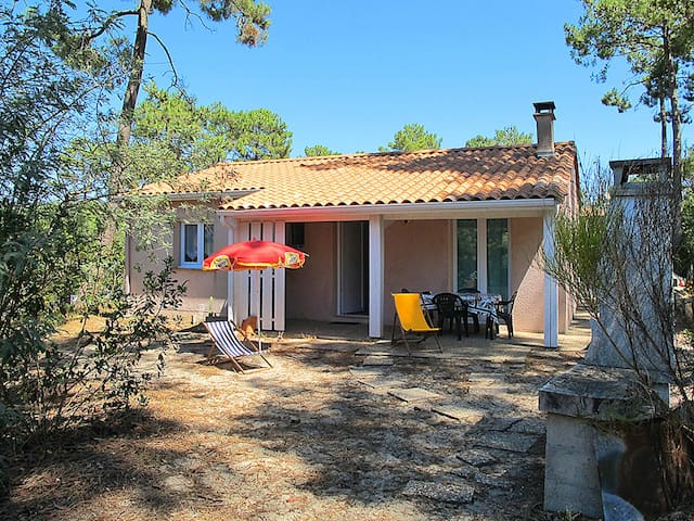 Holiday home in Lacanau Haut-Carreyre
