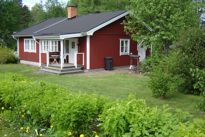 Charming cottage in beautiful Nusnäs - Mora S - Rumah