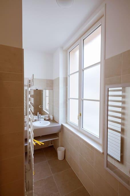 t2 rdc le clos notre dame centre chartres appartements louer chartres centre val de. Black Bedroom Furniture Sets. Home Design Ideas