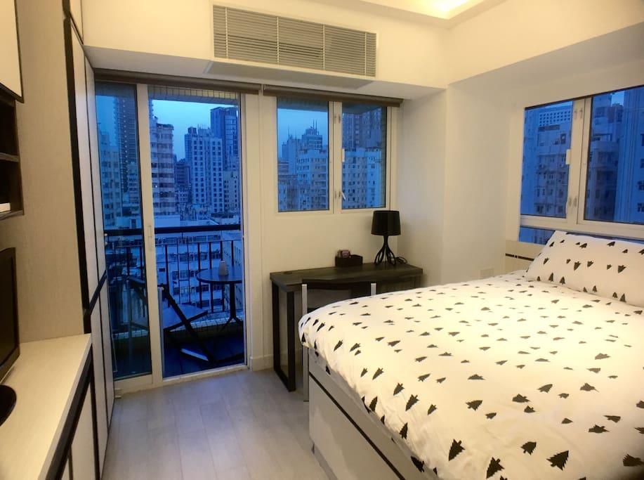Cozy studio with balcony 5 mins mtr jordan appartements louer hong kong kowloon hong kong - Farbiges modernes appartement hong kong ...