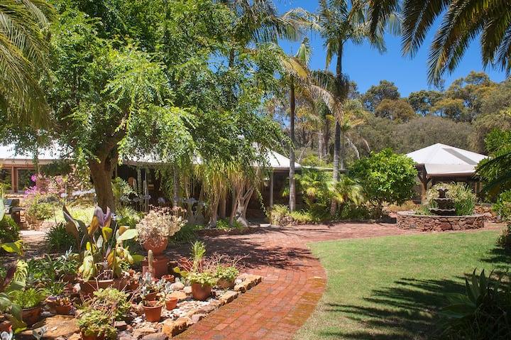 Ellensdale Garden Studio
