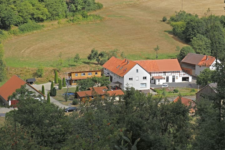 Combined group accommodation on a farm bordering on the Kellerwaldsteig