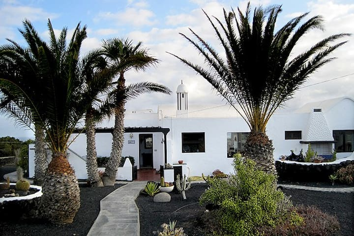 Beautifully quiet Casa near Famara - Caleta de Famara - Casa