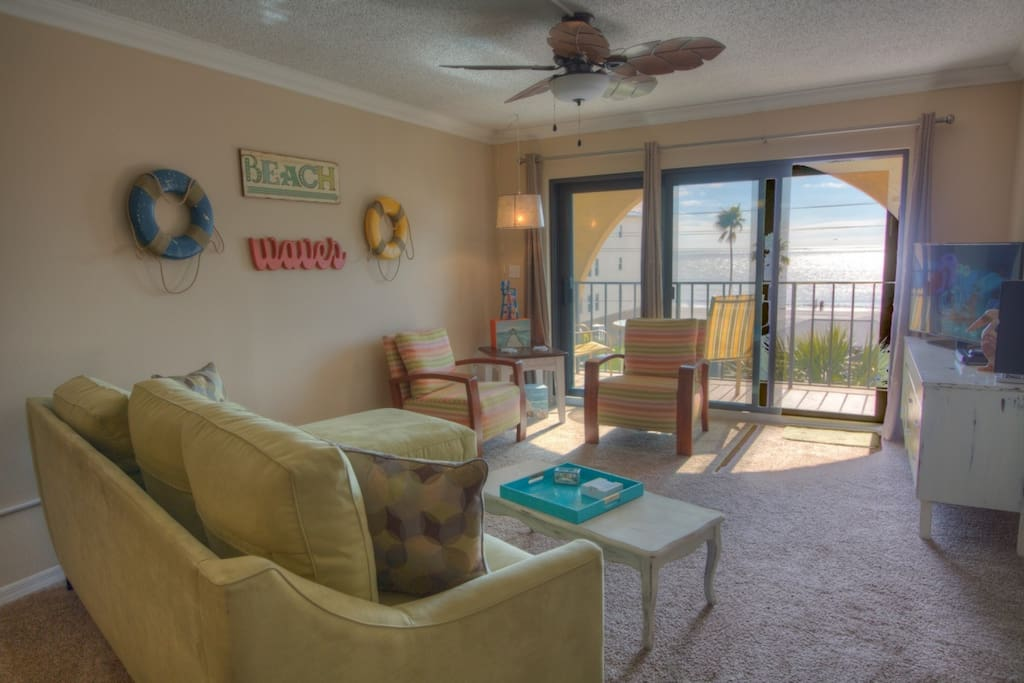Living Room with Flatscreen TV/cable and Gulf View