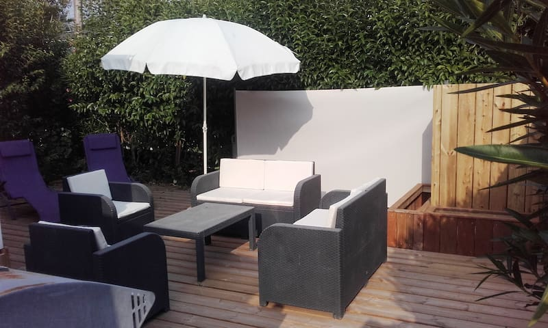 MOBILEHOME SERVICE HOTELIER FO11 AVEC LINGE DE LIT