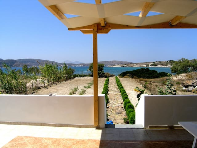 Home by the sea in Kimolos - Kimolos