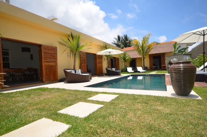 Balinese Style Villa - Ile Maurice  - Pointe aux Canonniers - Willa