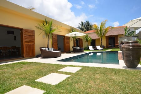Balinese Style Villa - Ile Maurice  - Pointe aux Canonniers