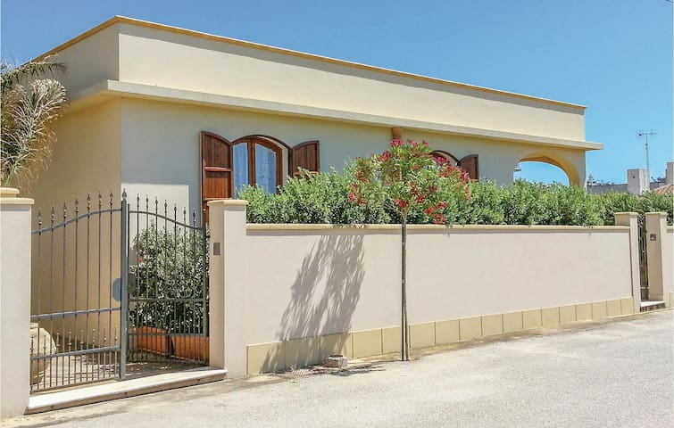 Holiday cottage with 3 bedrooms on 90m² in Torretta Granitola TP