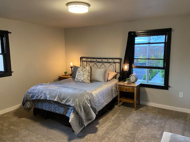 Masterbedroom . Quality soft sheets, great beds, and a variety of pillows