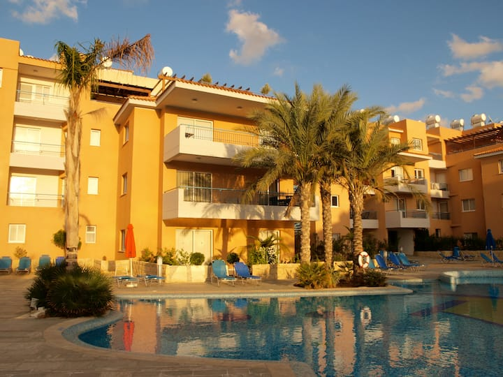 Paphos apartment with 2 large pools
