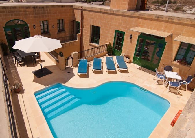 5DAYS IN A MALTESE FARMHOUSE/VILLA - Manikata l/o St. Pauls Bay - Villa