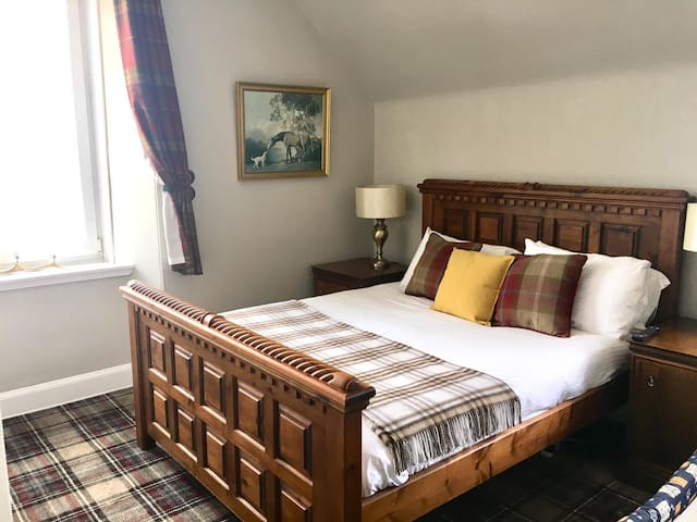 Whitebridge Hotel, nr Loch Ness - King Size room