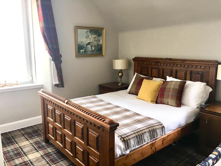 Whitebridge Hotel, nr Loch Ness - King Size room