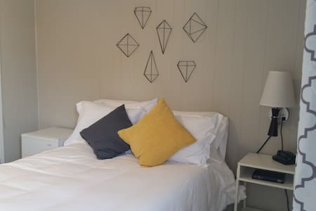 THE LITTLE VILLAGE, Full Bed 108 - Sleeps 2