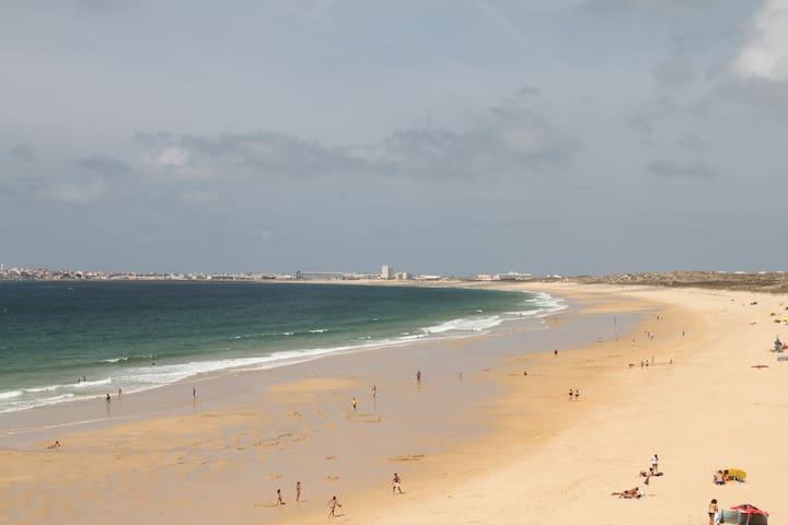 Supertubos Beach House /Consolação