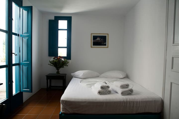 Oia s Sunset Apartments for 4 pax