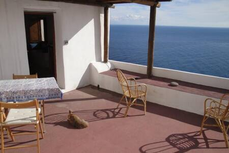 Terrazza sul mare ad Alicudi - Alicudi Porto