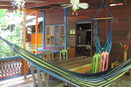 Casa Grande: Jungle & Beach Retreat - Playa Chiquita - Huis
