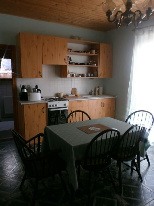 Küche mit Terasse und Panorama auf den Balaton