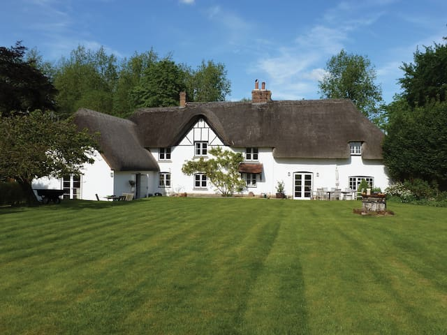 Luxury B&B near Marlborough - Pewsey - Гестхаус
