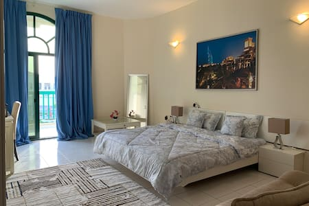 En-suite spacious Master Bedroom with city view