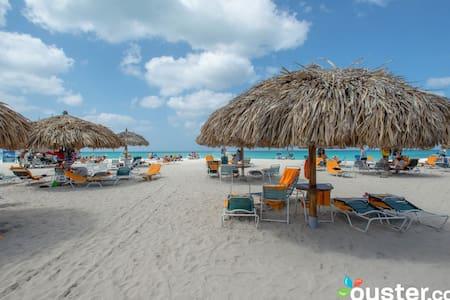 Aruba Holiday Getaway - Oranjestad-West