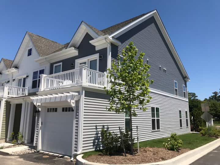 Fabulous All-New TH in Walk-to-Town Location!