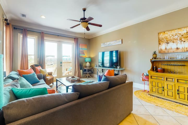 Lofted beach getaway w/ gas grill, private balcony, & central AC!