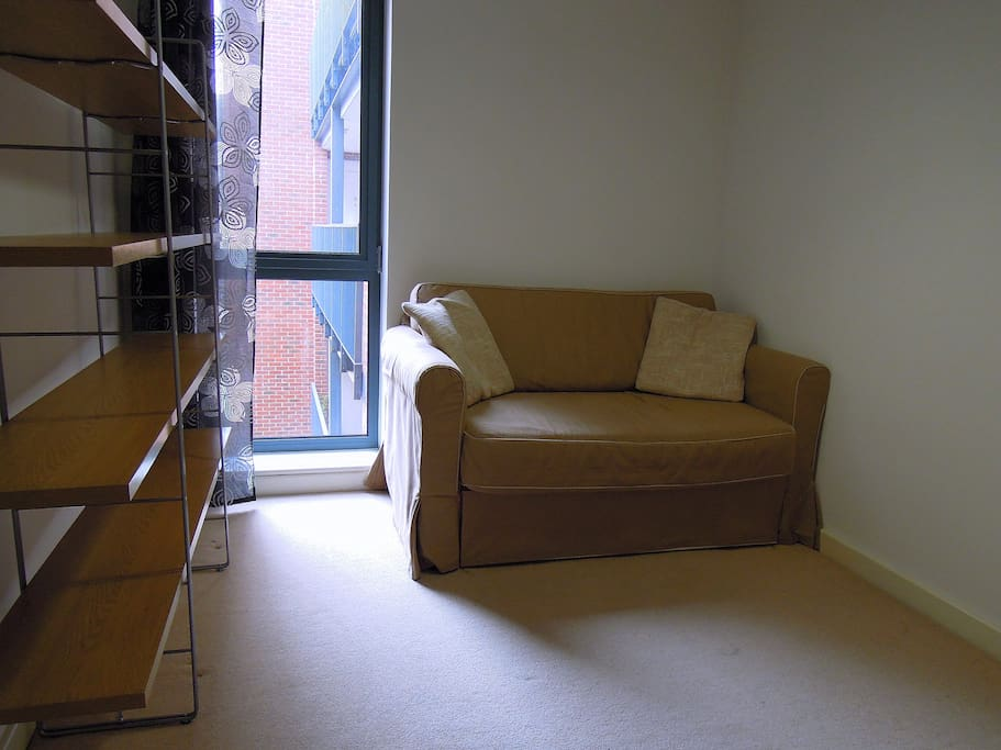 Cosy Room  in Bow, East London