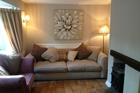 Norwich Country Cottage: 3 nights + - Norwich