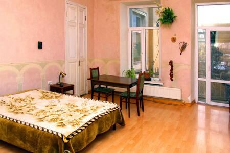 Отдельная комната в центре Одессы