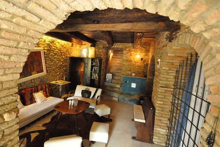 Casa dei Catari, extra ordinary!  - Monforte