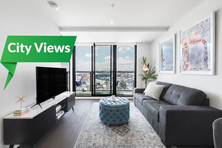 ☆ Top Floor in Bayside with City Views ☆ Netflix ☆
