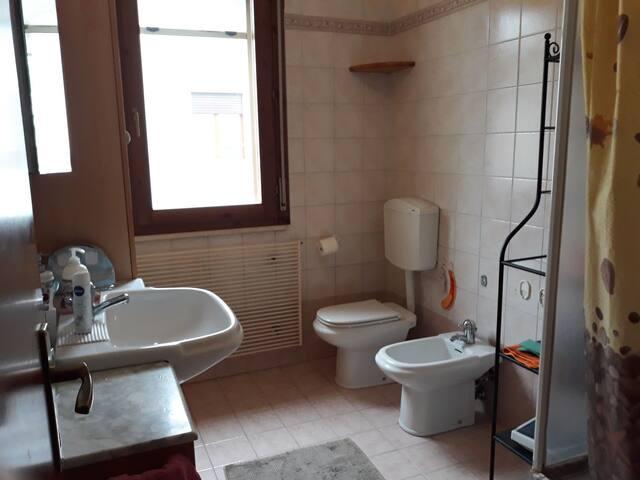 il bagno al Piano con utilizzo condiviso