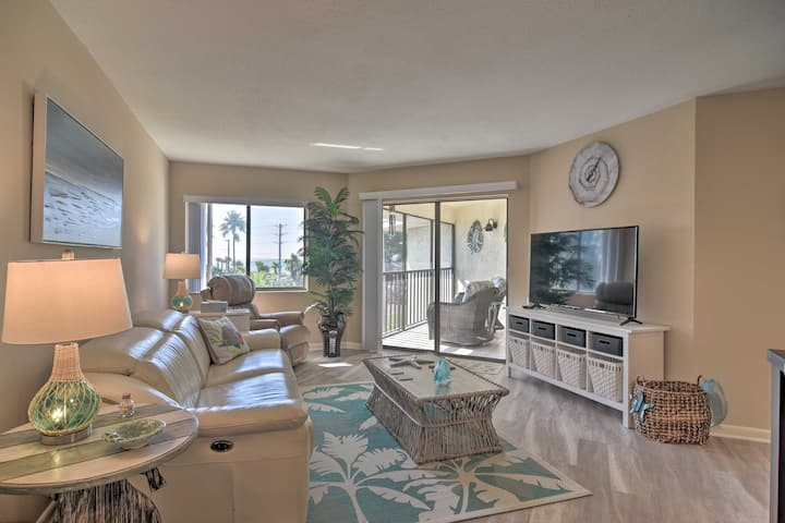 NEW! Renovated Beach Nook w/Lanai, Steps From Gulf