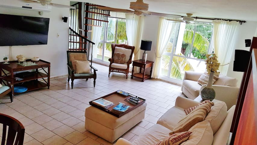 Real Beach Front Penthouse 15 m from SJU airport - Loíza - Villa
