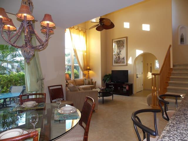 Spacious, bright 2 bed/2 bath...steps to the pool!