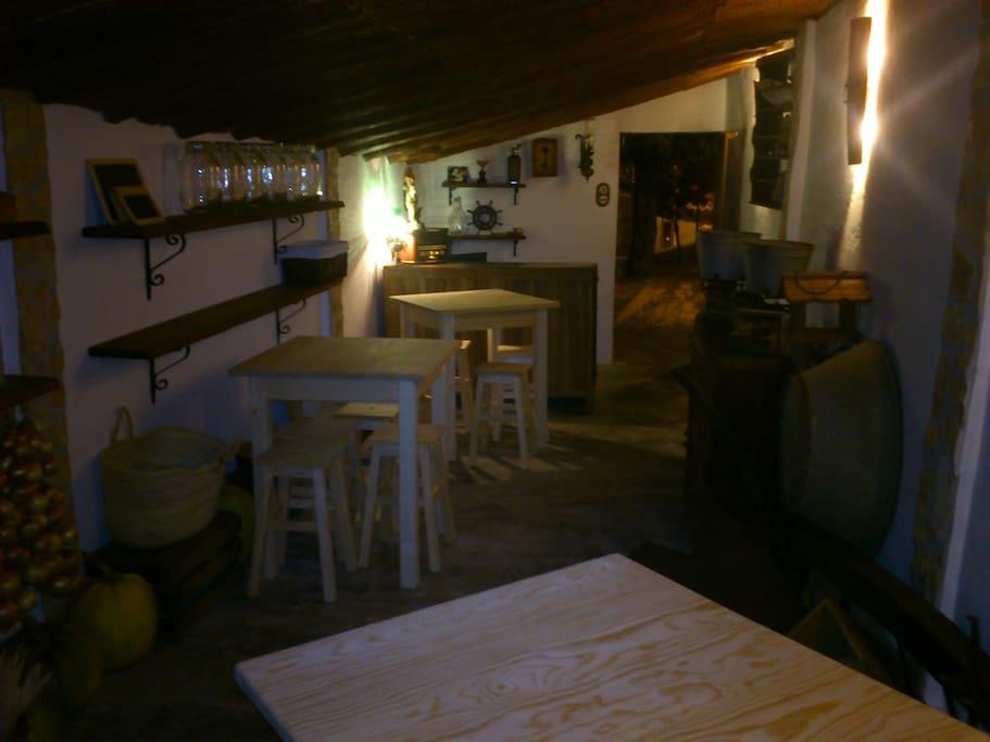 Garagem - Tasca Saloia