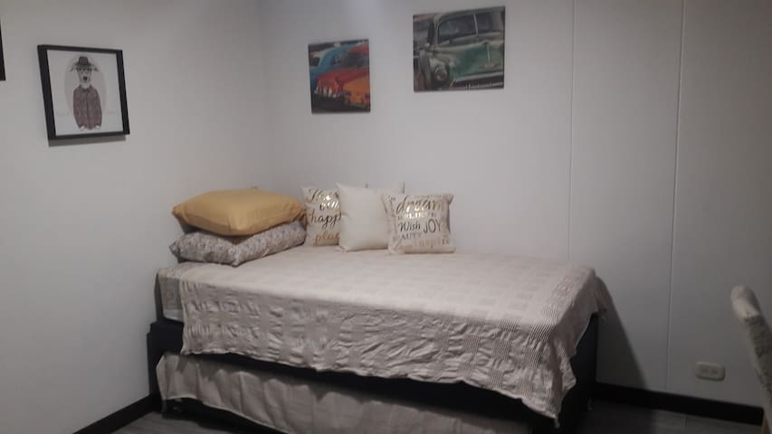 guest beds, top and bottom