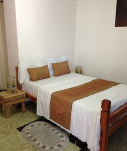 Private Beach house with 4 rooms - lapu lapu - Vila