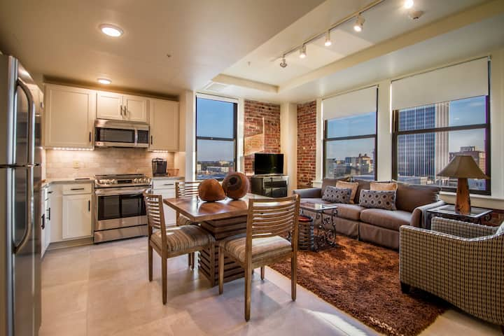 Suite 9G RESIDENCES 221 in Downtown Little Rock